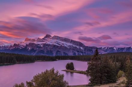 Two-Jack-Lake-Sunrise,-Banff,-Canadian-Rockies-7825